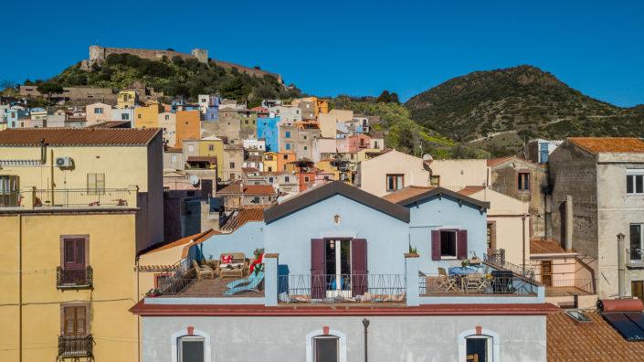 fotografia di architettura realizzata a Bosa con vista sul Castello. Sardegna