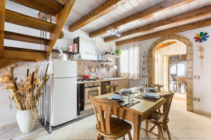 fotografia di interni in Sardegna. Casa vacanza fotografata a Putzu Idu, provincia di Oristano