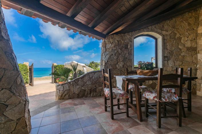 fotografia di un patio con bella vista mare a S'Anea Scoada, in provincia di Oristano, Sardegna