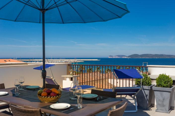 fotografia di architettura realizzata ad Alghero con bellissima vista mare. Sardegna