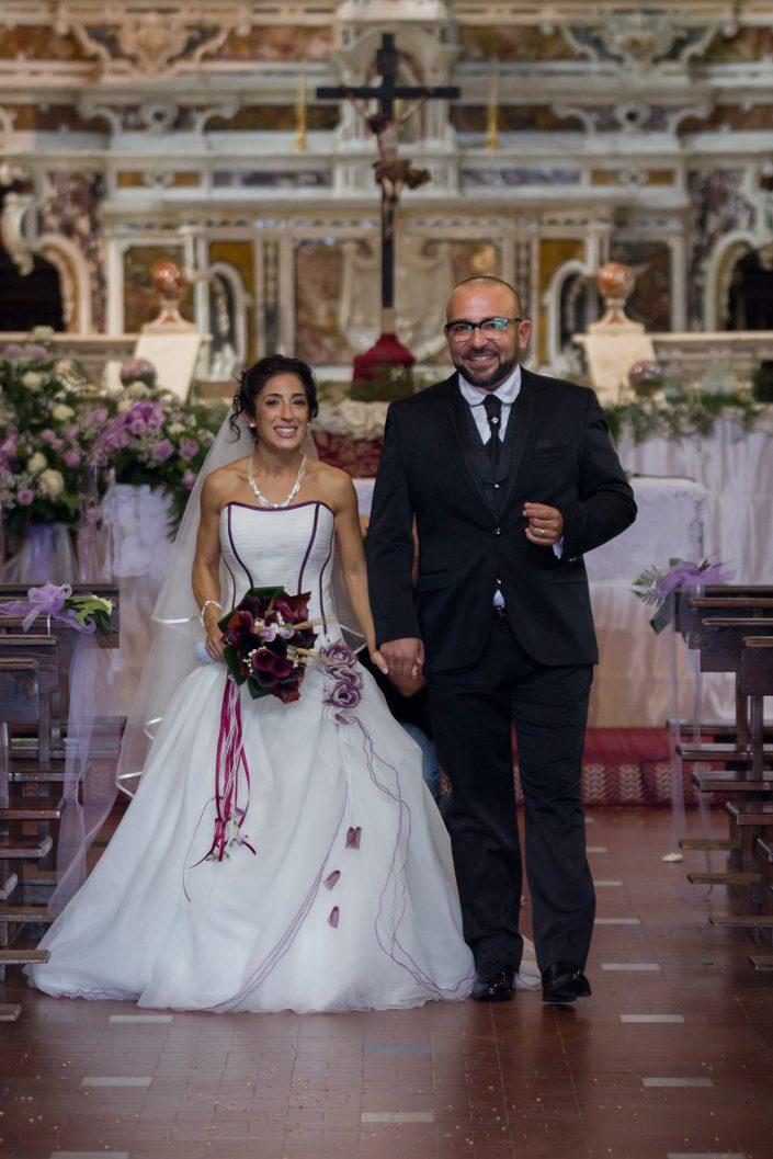 Fotografia di matrimonio realizzata a Cabras, provincia di Oristano, uscita dalla Chiesa