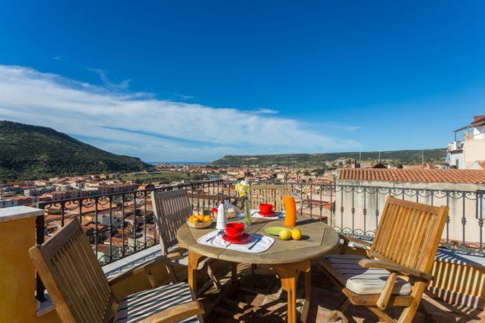 fotografia di architettura realizzata a Bosa con bellissima vista sulla città. Sardegna
