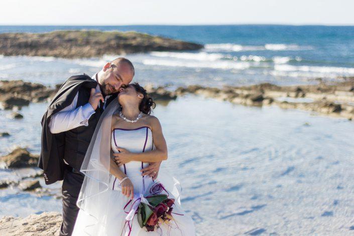 Fotografia di matrimonio realizzata a Cabras, provincia di Oristano, sulla spiaggia di Is Arutas