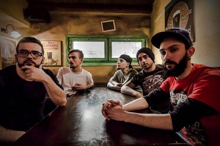 """Ritratto per la band oristanese """"Mankind has fallen"""" nella loro formazione 2014"""